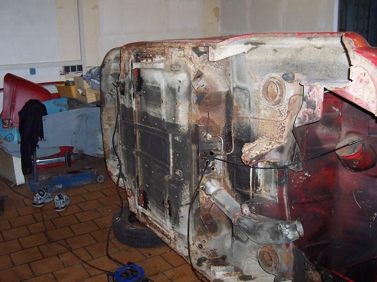 restauration-fiat-voiture-ancienne-16