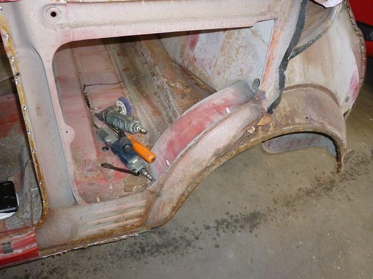 restauration-fiat-voiture-ancienne-29